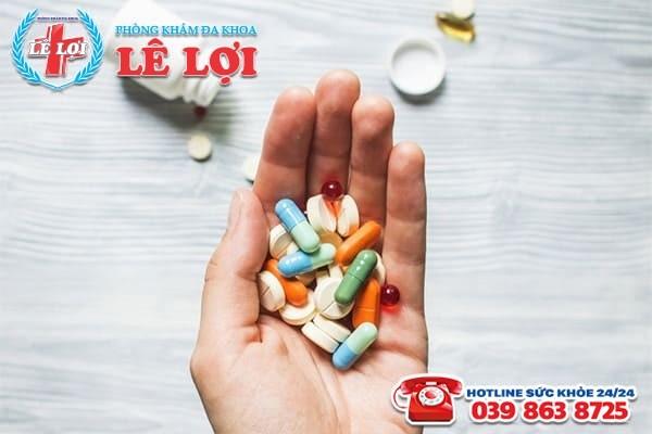Hỗ trợ điều trị khí hư bất thường bằng thuốc