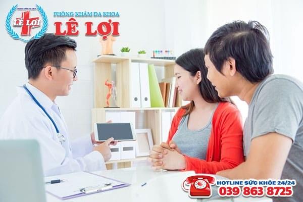 Bác sĩ tư vấn các hạng mục kiểm tra sức khỏe sinh sản